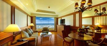 suite-livingroom-big