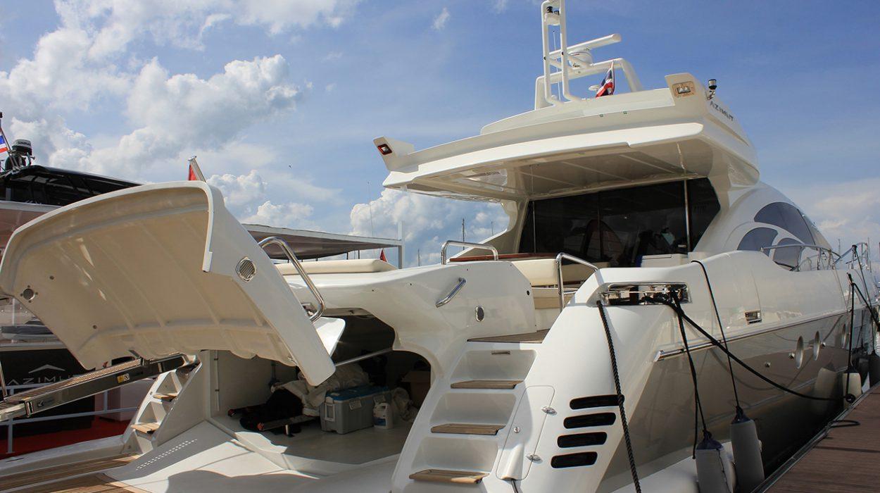 Azimut 86S at the 2016 Ocean Marina Pattaya Boat Show.